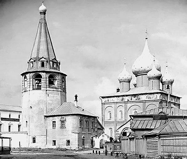 Кафедральный собор Рождества Богородицы в Суздале. Фотография С.М. Прокудина-Горского. 1911 г.